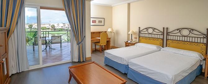 Hotel_Husa_Alicante_Deluxe_Room (Custom)
