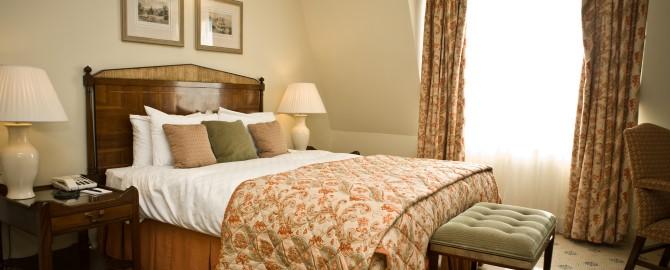ResortHotel_Deluxe_Suite_Bedroom