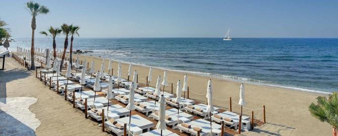 09-fuerte-marbella-instalaciones-hamacas-playa-1_copy