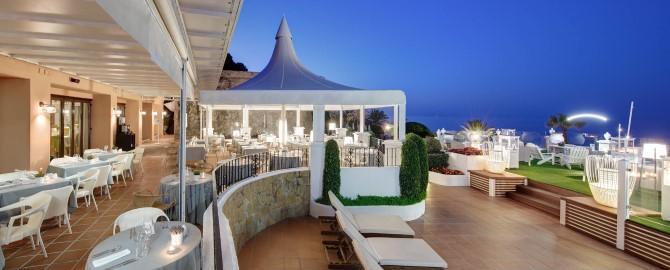 13-fuerte-marbella-instalaciones-restaurante-el-olivo-terraza-nocturna_copy