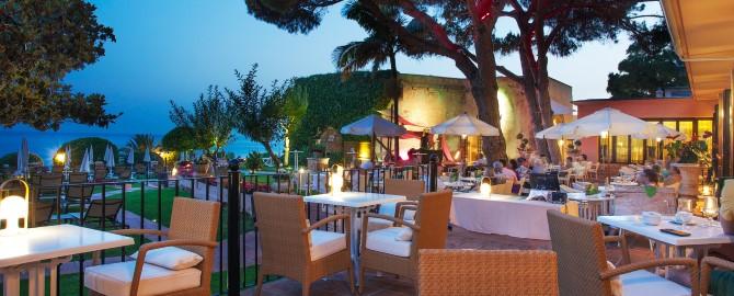 26-fuerte-marbella-instalaciones-bar-terraza-los-pinos-noche-2_copy